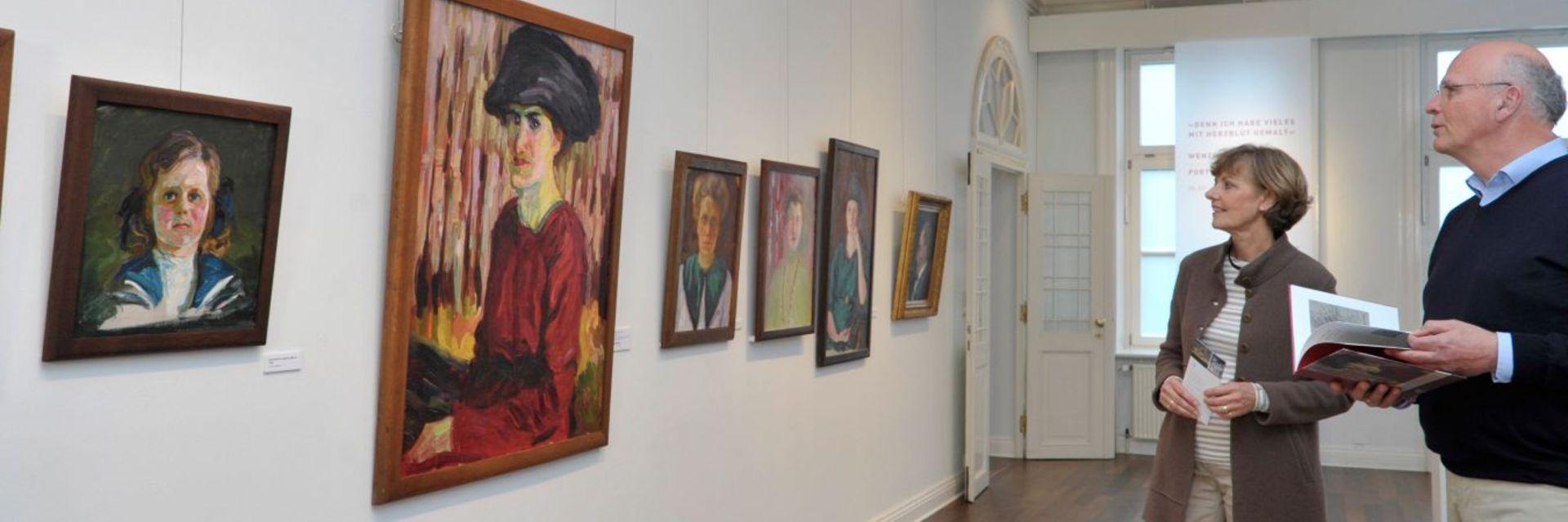 Besucher im Wenzel-Hablik Museum