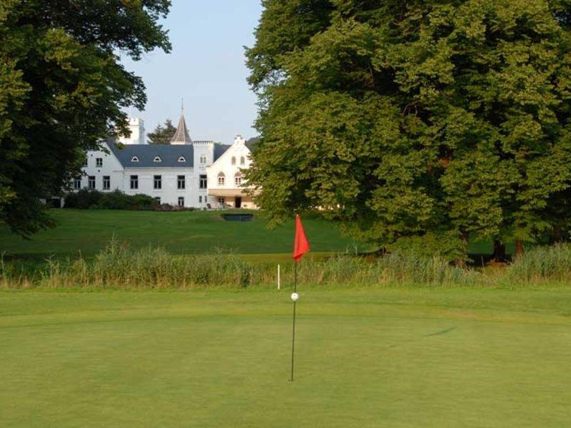 Der Golfclub Schloss Breitenburg ist ein märchenhafter Ort zum Golfspielen.
