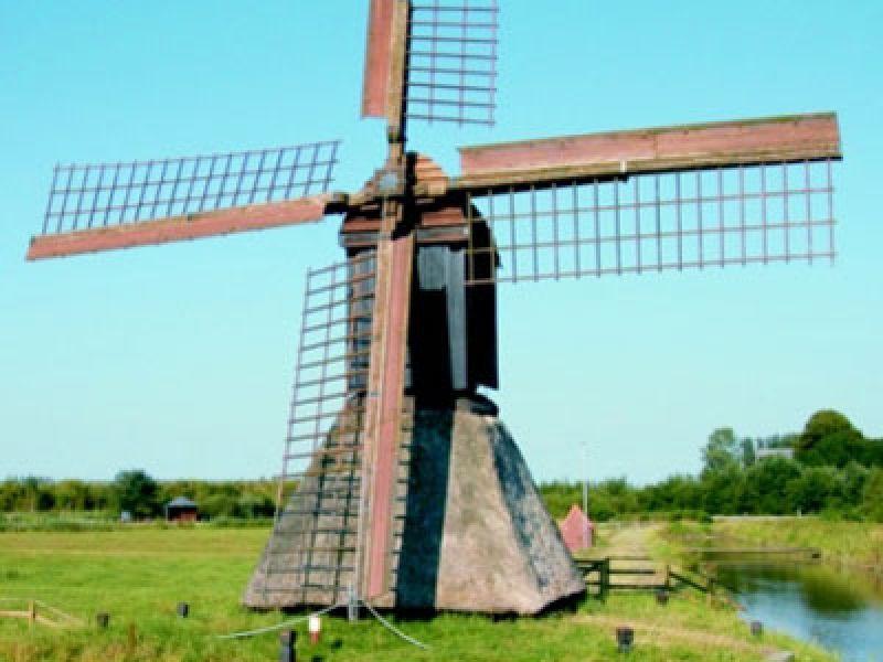 Die Honigflether Schöpfmühle ist die letzte ihrer Art in Norddeutschland.